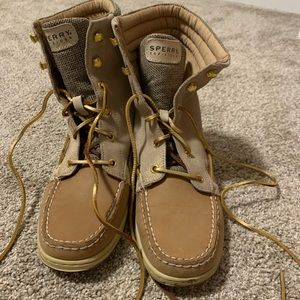 Sperry high top shoes